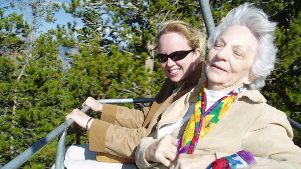 พื้นฐานง่าย ๆ ในการดูแลผู้สูงอายุให้อยู่กับเราไปนาน ๆ